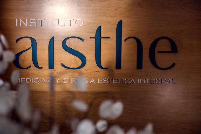 Rótulo con logo Aisthe Alicante